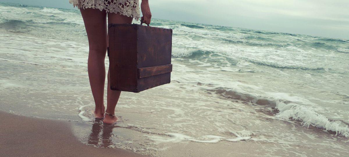 La maleta descalza